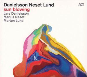 Изображение  Lars Danielsson, Marius Neset, Morten Lund – Sun Blowing